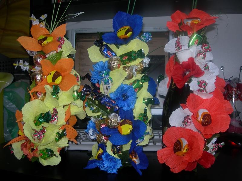 шампанское,украшенное цветами из конфет - 15 лс - конфетные букеты - Фотоальбом - Персональный сайт